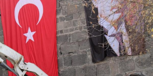 Bakan Yildiz: Bülent Ağabeyimiz Partimize Ve Davamiza Uzun Yillar Hizmet Etti