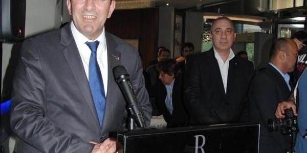 Bakan Yilmaz, Izmir'de Otel Açilişi Yapti