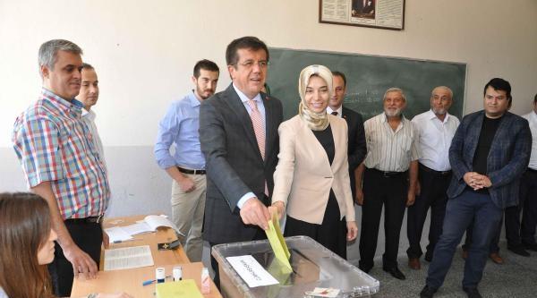Bakan Zeybekci: Seçimler Yeni Türkiye'nin Başlangıcı Olacak