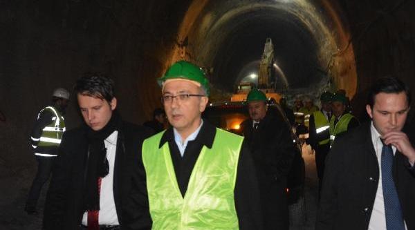 Bakana 'unutulan Içköy'e Hoş Geldiniz' Pankarti (2)