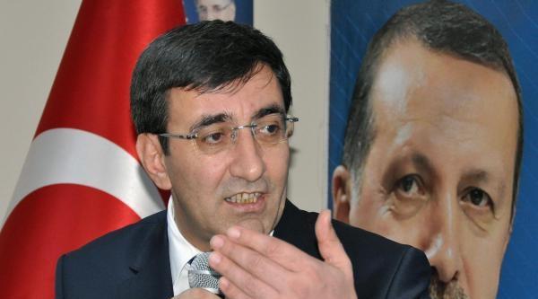 Bakanlar Halk Oyunları Yarışmasını İzledi(2)
