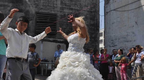 Bakanlık, Bursa'daki 'çocuk Düğünü'ne El Koydu