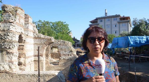 Balatlar Kilisesi'nin Altındaki Hamam Ortaya Çikariliyor