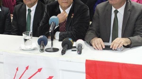 Balbay Alkişlarla Izmir'de (2)