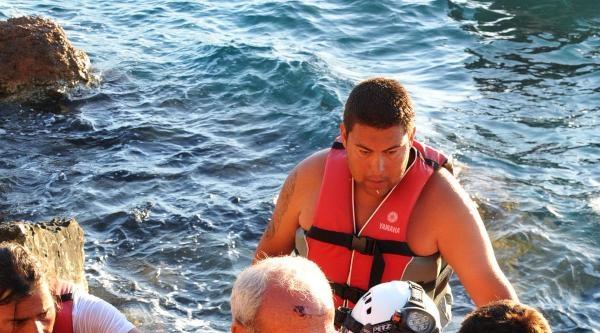 Balık Avlarken Düşüp Yaralanan Adamı Akut Kurtardı