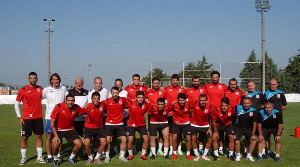 Balıkesirspor 15 Futbolusuyla Sahaya İndi