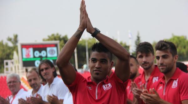 Balıkesirsporlu Vargas Galatasaray'a Karşı Sahada