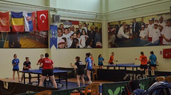 Balkan Yıldız Ve Gençler Masa Tenisi Şampiyonasi Başladı