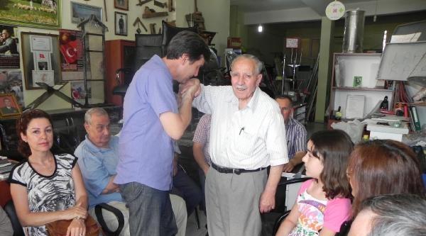 Balyoz Davasında Tahliye Olan Albay, Babasını İşyerinde Ziyaret Etti