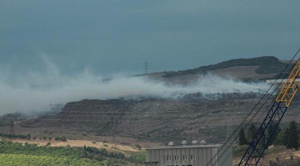 Bandırma'da Çöplük Yangını Devam Ediyor