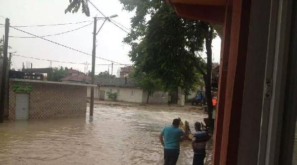 Bandırma'da Fırtına Etkili Oldu (2)