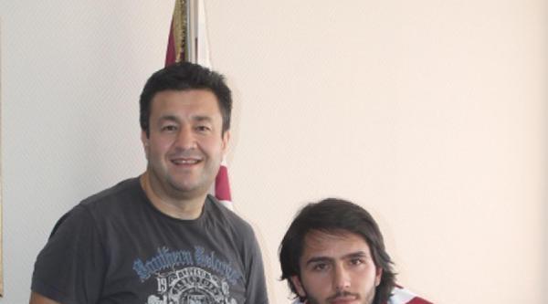 Bandırmaspor Onur Karakabak'la İmzaladi