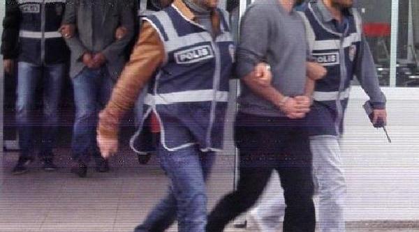 Banka Aracini Soyan 2 Kişi Tutuklandi