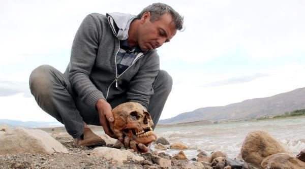 Baraj Kenarında İnsan Kemikleri Bulundu