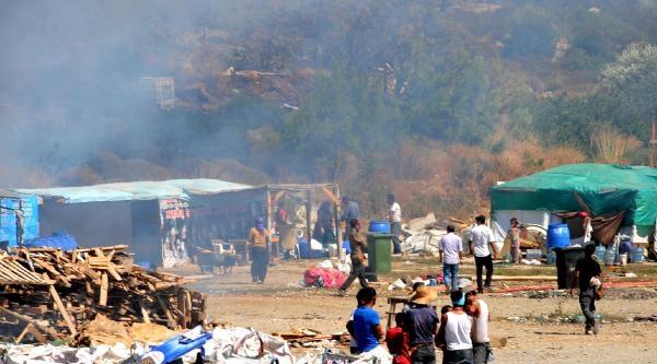 Barakadaki Yangın Ormana Ve Makiliğe Sıçradı (ek Fotoğraf)