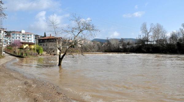 Bartın Irmaği'nda Taşkın Tehlikesi