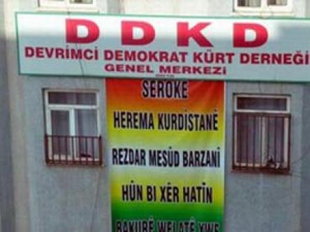 Barzani için bu pankartı astılar!