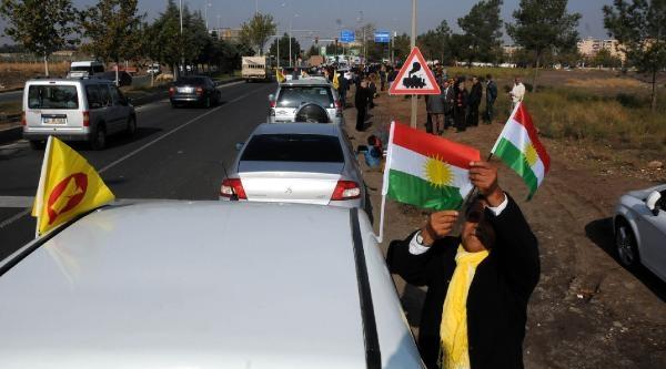 Barzani, Perwer'le Habur'dan Giriş Yapti(2)