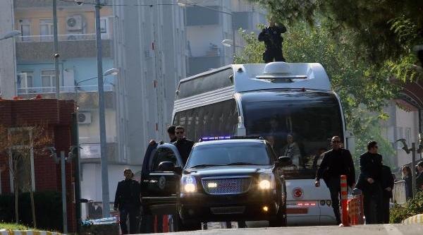 Başbakan, Diyarbakir'da Ilk Ziyaretini Baydemir'e Yapti