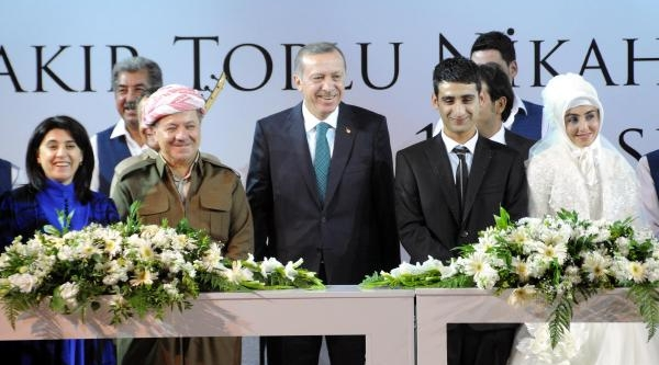 Başbakan, Diyarbakir'da Ilk Ziyaretini Baydemir'e Yapti(8)