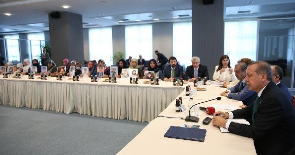 Başbakan Erdoğan, Diyarbakırlı Aileler İle Bir Araya Geldi