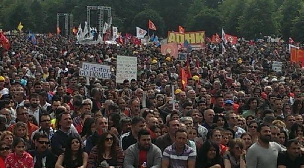 Başbakan Erdoğan Köln'de Protesto Edildi