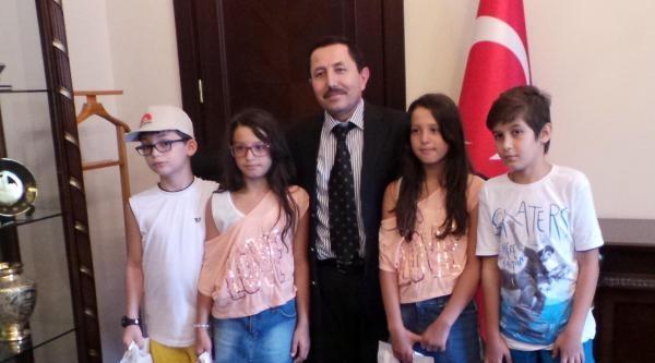 Başbakan Erdoğan Ordu'da Sohbet Ettiği Arda'ya Tablet Gönderdi