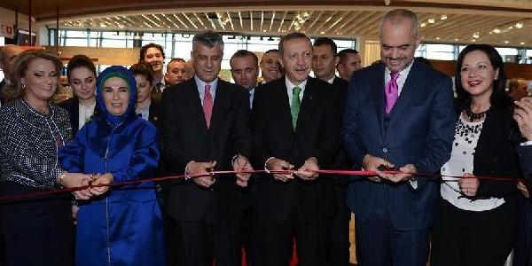 Başbakan Erdoğan: Tarihin Aci Sayfalari Sürekli Canli Tutularak Geleceğe Yürünmez