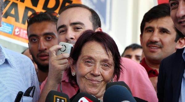 Başbakan Erdoğan'a Öğretmeninden 100 Tl Bağış