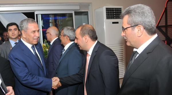 Başbakan Yardımcısı Arınç, Alanya'da Nikah Şahitliği Yaptı