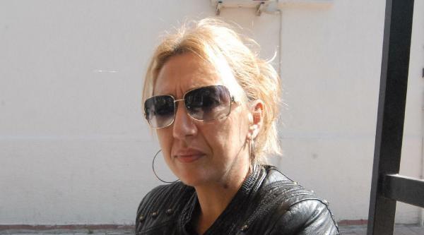 Başbakan'a El Hareketi Yapmakla Suçlanan Kadına 2 Yıl Hapis İstendi