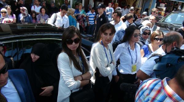 Başbakan'ı Koruyan Genç Kadın Polislerin Şikliği