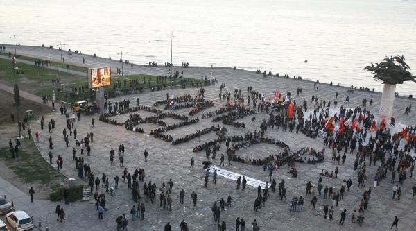 Başbakan'ı Miting Meydanında Protesto Ettiler