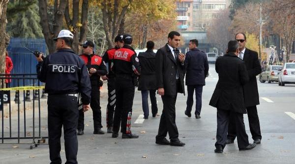 Başbakanlik Önünde 'canli Bomba' Alarmi / Ek Fotoğraflar