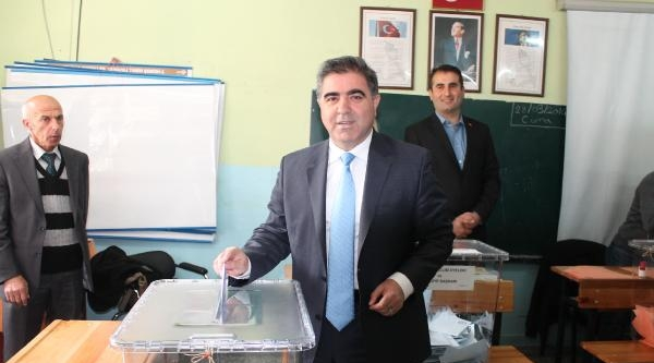 Başkan Adayı Özdemir: Mühür Basmadı Ondan Geçiktim