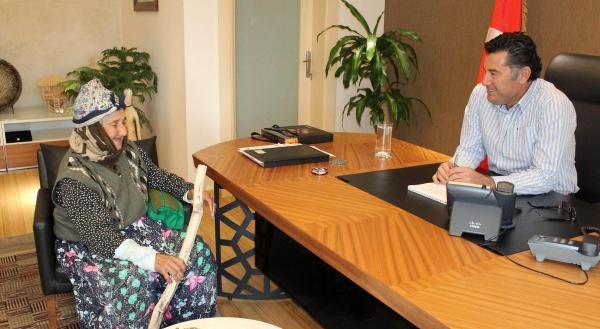 Başkan Kocadon'A Fatma Nineden Nasihat