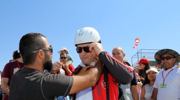 Başkan Palancıoğlu, İlk Kez  Yamaç Paraşütüyle Uçtu