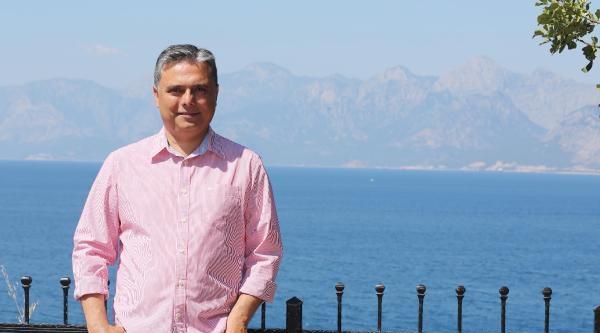 Başkan Uysal: Akdeniz Heykeli'nin Yeri Akdeniz Olmalı