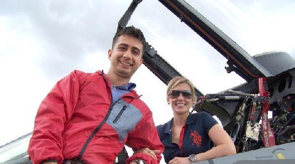 Başkemancılığı Bıraktı, Şehit Eşi Gibi Pilot Oldu