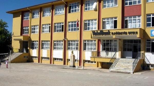 Baskil'deki Sinav Skandalina 4 Müfettiş