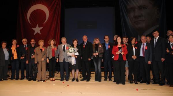 Başöğretmen Atatürk Onur Ödülü Chp'Li Birgül Ayman Güler'E Verildi