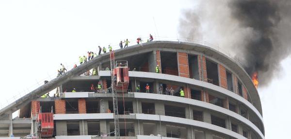 Batışehir Premıum'da Yangın (2)