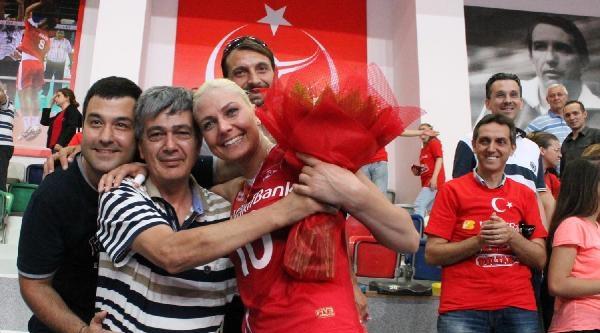 Bayanlar Avrupa Ligi Voleybol Türkiye-azerbaycan: 3-0
