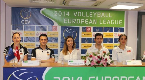 Bayanlar Voleybolda Türkiye Ve Almanya Şampiyonluğu İstiyor