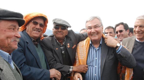 Baykal: Genç Bir Adam, Dört Bakanı Parmağında Oynatıyor