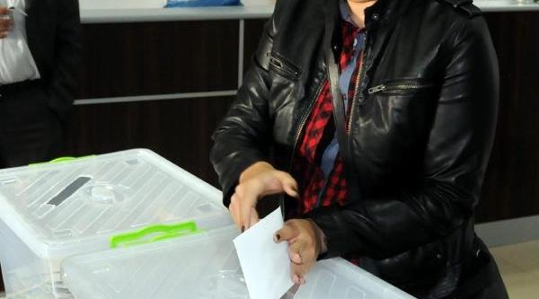 Bdp Diyarbakir'da Ön Seçim Yapti