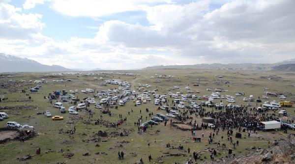 Bdp'den Ağrı Dağı Eteğinde 'kck Asayiş'li Nevruz Kutlaması