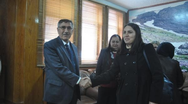 Bdp'li Başkan Adayindan Belediye Başkanina Ziyaret