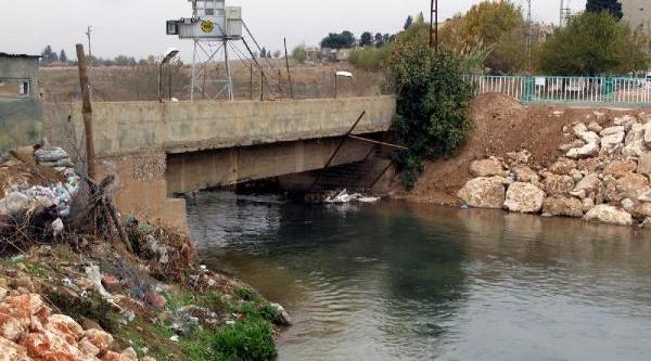 Bdp'li Başkan: Sirindaki Güvenlik Duvari Tarihi Köprü Üzerine Örüldü