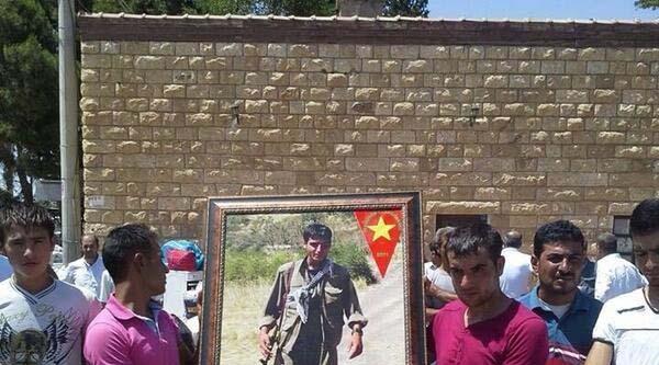 Bdp'li Başkanın Suriye'de Savaşta Ölen Oğlu, Diyarbakır'da Toprağa Verildi